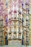 Stadhuis en St Peter& x27; s Kerk in Leuven Royalty-vrije Stock Foto's