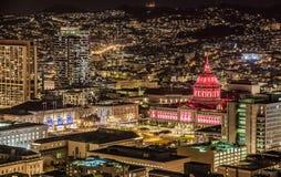 Stadhuis in San Francisco bij nacht royalty-vrije stock afbeelding