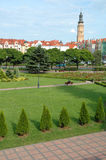 Stadhuistoren en andere gebouwen in Glogow, Polen Stock Afbeeldingen