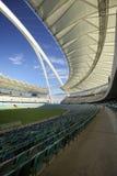 Stadio del Moses Mabhida, gioco del calcio della FIFA. Zona di disposizione dei posti a sedere Immagini Stock