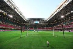 Stadio di calcio di gioco del calcio Immagini Stock Libere da Diritti