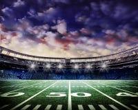 Stadio di Footall con il cielo di spectacular di s Fotografie Stock Libere da Diritti