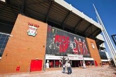 Stadion för Liverpool fotbollklubba. Arkivfoton