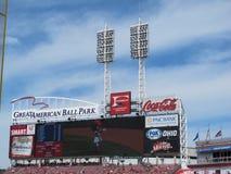 Stadionljus på en basebollarena Arkivfoto