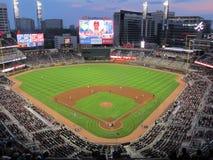 Stadionljus på en basebollarena Arkivbild