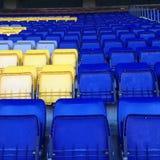 Stadions-Tribüne-Sitze Stockfotos