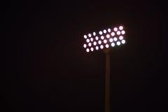 Stadions-Lichter nachts Stockbilder