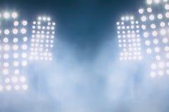Stadionslichter und -rauch Lizenzfreie Stockbilder