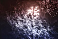 Stadionslichter und -rauch Stockbilder