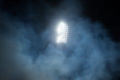 Stadionslichter und -rauch Lizenzfreies Stockbild