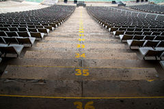 Stadionssitze in einer hinteren Ansicht Stockfotografie