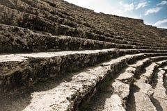 Stadium des alten ruinierten Theaters in der Türkei Lizenzfreies Stockbild