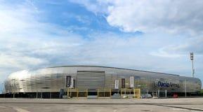 Stadium Udinese futbolu klub, północy koszowy wejście i niedawno budujący sklep, Budynek dzwoni Dacia arena Friuli fotografia stock
