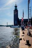 Stadsångbåtfärja med passagerare Fotografering för Bildbyråer