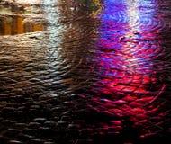 stads- abstrakt bakgrund Ljus och skuggor av staden Royaltyfria Foton