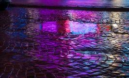 stads- abstrakt bakgrund Ljus och skuggor av staden Royaltyfri Foto