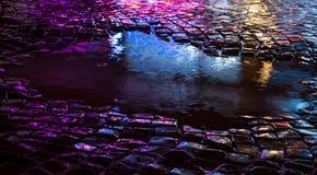 stads- abstrakt bakgrund Ljus och skuggor av staden Royaltyfri Bild