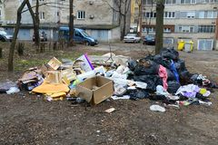 stads- avfallförorening royaltyfria bilder