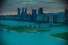 Stads brug-A hoek van moderne stad stock fotografie