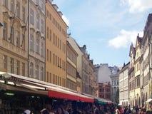 Stads- byggnader i Prague, augusti 17 2017 Royaltyfria Bilder