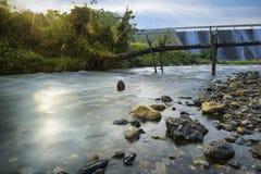 stads- flod Fotografering för Bildbyråer
