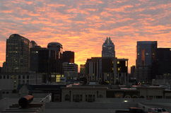 Stads- i stadens centrum soluppgång Arkivbild