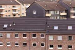 Stads- inhysa för kvarter för hög-täthet andelsfastighetbyggnad Arkivfoton