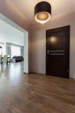 Stads- lägenhet - korridor royaltyfri foto