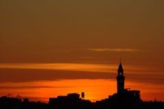 Stads- landskap efter solnedgång Royaltyfri Bild