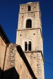 STADS- LANDSKAP I TEGGIANO, SÖDRA ITALIEN arkivbild