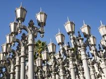 Stads- ljus av Chris Burden på LACMAEN - den Los Angeles County konstmuseet som är stor vagga, på Augusti 12th, 2017 - Los Angele royaltyfri bild