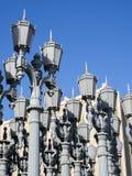 Stads- ljus av Chris Burden på LACMAEN - den Los Angeles County konstmuseet som är stor vagga, på Augusti 12th, 2017 - Los Angele royaltyfria foton