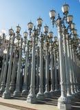 Stads- ljus av Chris Burden på LACMAEN - den Los Angeles County konstmuseet som är stor vagga, på Augusti 12th, 2017 - Los Angele arkivfoto