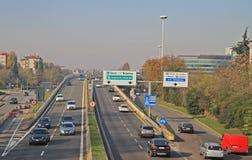 Stads- motorway i Milan, Italien royaltyfri fotografi