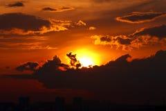 stads- solnedgång Arkivfoton