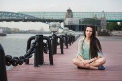 Stads- stående av en flickastudent Fotografering för Bildbyråer
