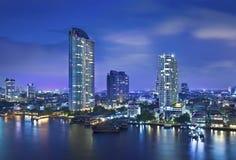 Stads- stadshorisont för natt, Bangkok, Thailand Royaltyfria Bilder