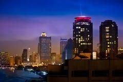 Stads- stadshorisont för natt, Bangkok, Thailand Fotografering för Bildbyråer