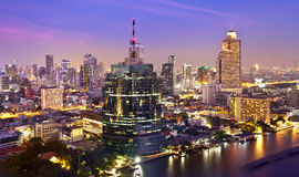 Stads- stadshorisont för natt, Bangkok, Thailand Arkivbild