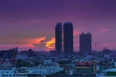 Stads- stadshorisont för natt, Bangkok, Thailand. Royaltyfria Bilder