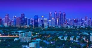 Stads- stadshorisont för natt, Bangkok, Thailand. Royaltyfri Bild