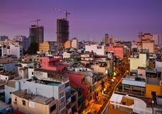 Stads- stadshorisont för natt, Ho Chi Minh City, Vietnam. Royaltyfri Foto