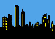 Stads- stadshorisont på nattbakgrund Royaltyfria Foton