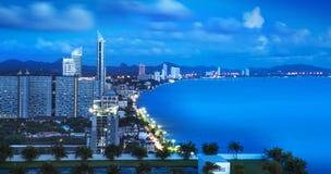 Stads- stadshorisont-, Pattaya fjärd och strand, Thailan Royaltyfri Fotografi
