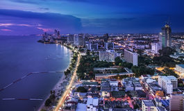 Stads- stadshorisont-, Pattaya fjärd och strand, Thailand Arkivfoton