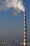 stads- stort rør för rökkanal Arkivbild