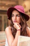 Stads- tänka för flicka Royaltyfria Bilder
