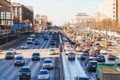 Stads- transport på den Leningradskoye huvudvägen Fotografering för Bildbyråer