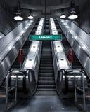 Stads- trappa för tunnelbanastation, arkivbilder