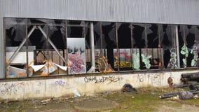 Stads- utforskning i gammal fabrik Arkivbild